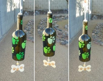 Personalized wine bottle wind chime, Dog lover yard art, Windchimes with paw prints, Dog mom birthday gift, Hanging green garden decor