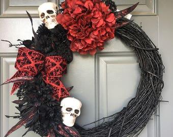 Halloween wreath, skeleton wreath, halloween wreaths for front door, halloween wreath, halloween wreath with skulls