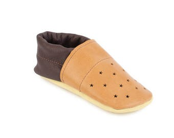 Leather toddler moccasins / Australian handmade baby shoes / Eco-friendly rescued leather / Feet shaped barefoot shoes