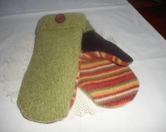 WOOL Handmade Recycled Sweater Mittens Ladies sz Medium Green Multi-color. OOAK