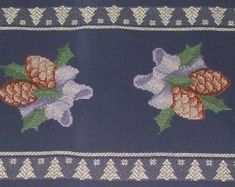 REDUCED!-Beautiful Hand Embroidered Tablecloth new