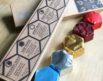 Wild Hive : Single Origin Raw Dark Chocolate Hexagon Collection Gift Box