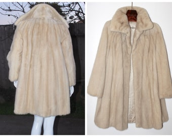 NEIMAN MARCUS Natural Tourmaline Blond Ranch Mink Fur Flared A-Line Pre-Loved Coat Size M