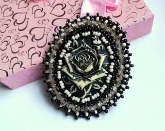 Vintage Cameo Brooch, Bead embroidered Brooch, Black/ Beige Brooch, Beadwork Brooch , Handmade Jewelry