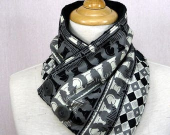grey cowl scarf pattern chess game