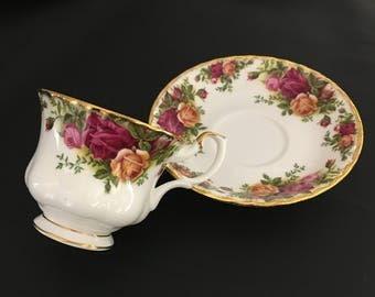 Royal Albert Tea Cup &Saucer, Old Country Roses, Vintage Royal Albert,  Floral Teacup, fine bone china English Porcelain