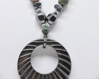 Lovely metal tone necklace