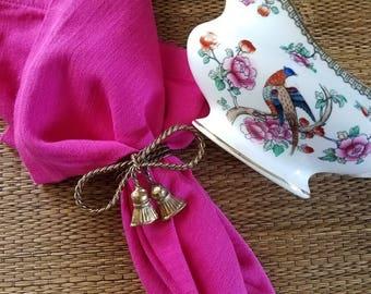 Cute vintage brass tassel napkin rings // brass bow // tabletop treasures // napkin // gold tassel // napkin rings // vintage brass //