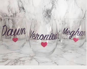 SET OF 7, Custom wine glass, Bridal shower gift, maid of honor gift, Bridal gift, custom bridal gift,personalized wine glass, bridesmaid cup
