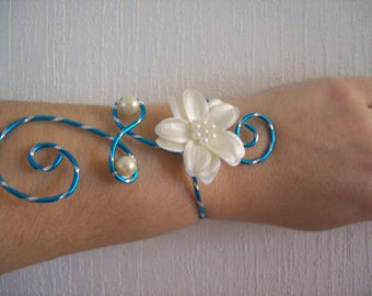 wedding bridal bracelet turquoise blue and ivory or white wire aluminum crafted diamond satin evening flower effect holiday ceremony