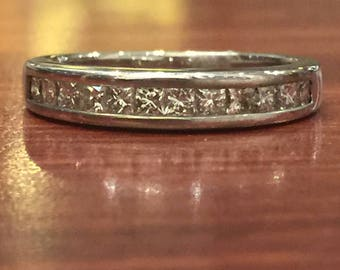 18K White Gold & Princess Cut Diamond Band. 0.80ct in total. E/VVS.