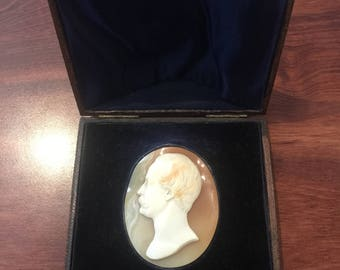 An Antique (Victorian) Shell Cameo in original box. Roma, circa 1861.