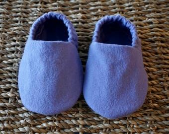 Lavender Baby Shoes, Crib Shoes, Soft Sole Baby Shoes, Baby Bootie, Baby Moccs, Baby Moccasins, Baby Booties, Baby Shower Gift