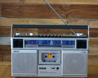 Vintage SONY Radio - Stereo Cassette Corder CFS-61S - Fm\Mw\Sw1\Sw2 stereo cassette corder CFS-61S