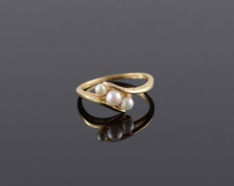 Culture Pearl Wavy Raised Bridge Bypass Ring Size 6 Gold