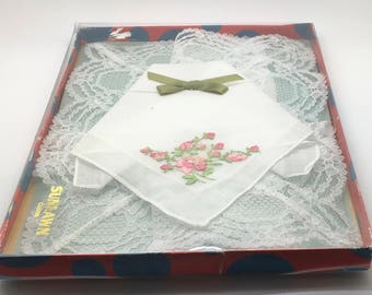 Vtg Sunlawn  Handkerchief Pink Embroidery Roses 100 % Cotton Made In Switzerland Something Old Mother Of The Bride In Original  Box