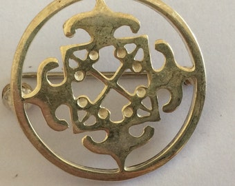 Vintage Scottish Orkney Malcolm Gray for Ortak Silver Brooch - 25mm diameter.