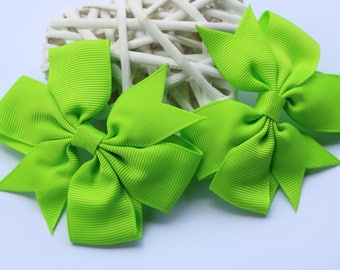 2 x Lime Green Pinwheel Hair Bow attached to alligator clip. 3 Inches. Grosgrain Ribbon. School Colours. Sports. Hair Accessories. Girls.