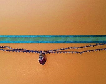 crew neck Ribbon and beads