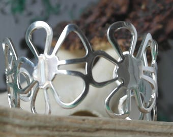 Vintage Sterling Silver Daisy Chain Cuff Bracelet