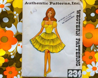 Vintage 1960s WESTERN PATTERNS Texas Square Dance pattern Size 12