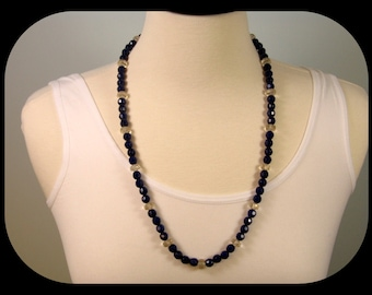 """VINTAGE Unsigned Navy Blue & Aurora Borealis Crystal Glass Bead NECKLACE 26"""""""