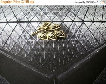 ON SALE Vintage GERRYS Gold Tone Textured Opne Cut Art Work Metal Pin 12316