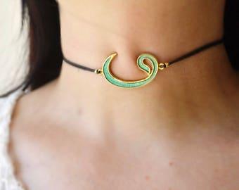 ayetul kursi choker, calligraphy necklace, monogram jewelry, round kursi pendant, muselman fashion, golden Allah choker, ayetel kursi choker
