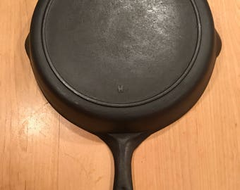 Unknown maker of Cast iron Skillet, vintage with free shipping