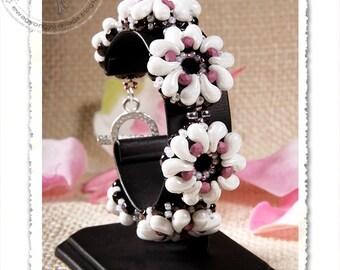 Magnolia beaded bracelet PDF pattern