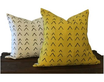 Set of Mud Cloth Pillows, White and Yellow Pillows, Authentic Mud Cloth Pillow Set, Chevron Pattern Pillows