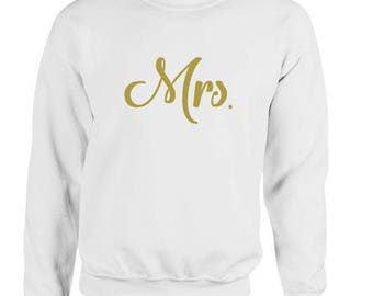 Mrs jumper, Bride sweater, Newlywed sweatshirt, cute Mrs tops, gift for her, wife gift, wedding gift, Valentine gift for wife, fiance gift