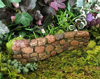 Miniature Curved Stone/Rock Wall