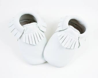 ON SALE! White Baby Moccasins Handmade Genuine Leather Moccs Infant Toddler Boys Girls Soft Soled Shoes Prewalker Crib Booties