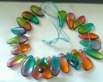 vintage plastic pebble shaped bead necklace