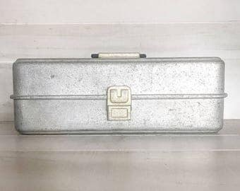 Vintage Tackle box/Vintage Box/Metal Box/Metal Tackle Box/Vintage Metal Box/Fathers Day Gift/Vintage Fathers Day Gift/Fishing/Vintage