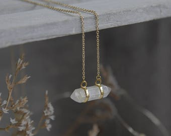 Crystal Minimalist Pendant, Minimalist Crystal Jewelry, White Crystal Minimalist Necklace, Crystal Necklace, Minimalist Style Crystal