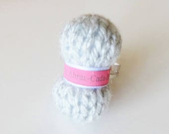 Ring shaped ball of yarn (customizable to the name of your choice) Pearl gray
