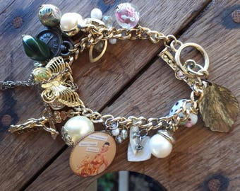 "Charm Bracelet Gold ""I Spy"" glass mother of pearl"