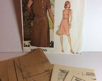 Vogue Couturier Design Valentino Sewing Pattern 1051 Size 14 Dress Semi Fitted Below Knee