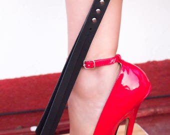 Layla ~ Leather slapper