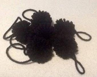 Set of 2 black tassels in wool 4cm diameter