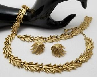 TRIFARI Brushed Gold Parure