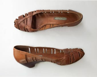 1970s vintage brown leather cutout wooden wedges by connie / size 8 8.5