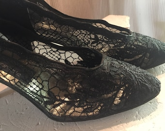 1950's Stuart Weitzman Vintage Black Lace Pumps with Heels Size 8