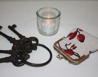 Metal frame coin purse