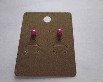 Nice pair of earring studs with a fuchsia 4 mm ball