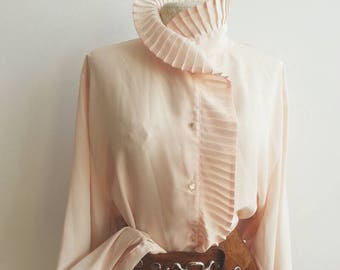 Seashell Pink Vintage 70s Blouse - Pleated neck and details - Silky Shirt - Parisian Boho Chic Style