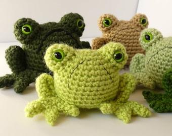 Grumpy Frog Amigurumi