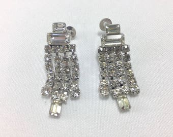 Gorgeous Rhinestone drop earrings 1950's Vintage Screwback